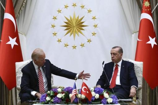 Hai nhà lãnh đạo Mỹ-Thổ Nhĩ Kỳ gặp nhau giữa căng thẳng