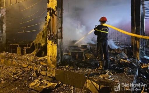 Cháy phòng trà tại thành phố Vinh khiến sáu người thiệt mạng