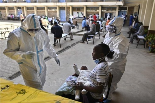 G7 ưu tiên phân phối vaccine phòng COVID-19 cho châu Phi