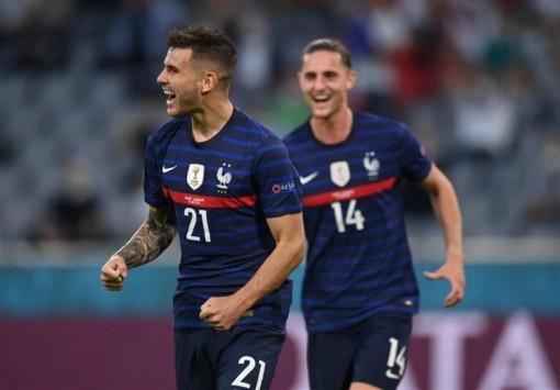 Pháp thắng Đức, đua ngôi đầu với Bồ Đào Nha
