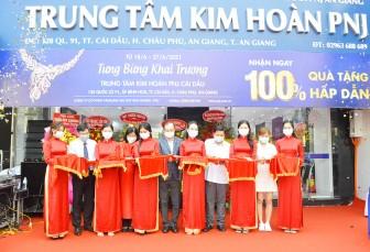 Khai trương Trung tâm Kim hoàn PNJ Cái Dầu tại huyện Châu Phú