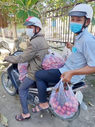Hội Liên hiệp Phụ nữ huyện Thoại Sơn hỗ trợ tiêu thụ vải thiều Bắc Giang