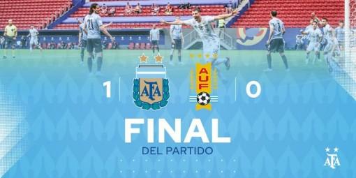 Messi truyền cảm hứng, Argentina đánh bại Uruguay