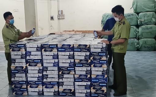 Tạm giữ gần 10 nghìn chai bia và sữa nước Ensure không chứng từ hợp pháp