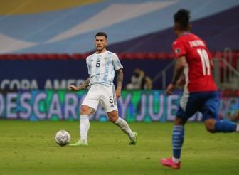 Thắng nhọc Paraguay, Argentina củng cố ngôi đầu