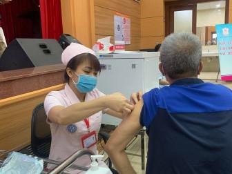 Bộ Y tế đề nghị 9 địa phương đẩy nhanh tiêm vaccine phòng COVID-19
