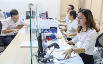 Bộ Nội vụ quy định công chức, viên chức không mặc quần bò đi làm
