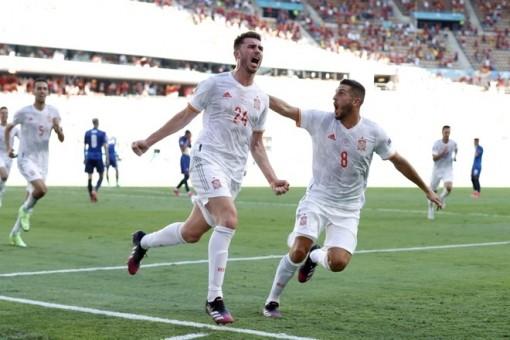Liên tiếp phản lưới nhà, Slovakia thua đậm Tây Ban Nha