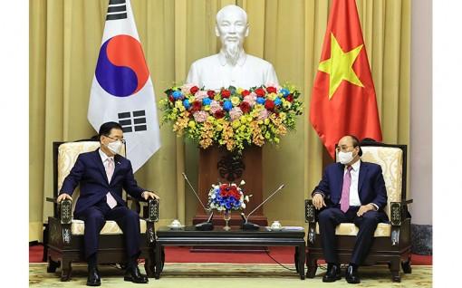 Chủ tịch nước, Thủ tướng Chính phủ tiếp Bộ trưởng Ngoại giao Hàn Quốc