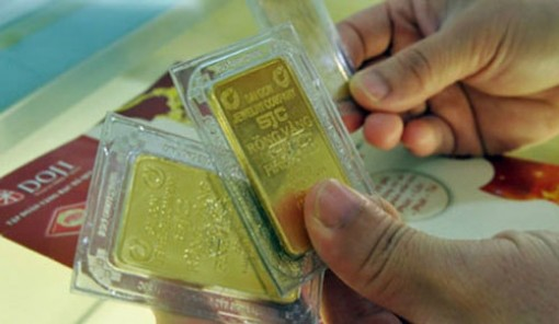 Giá vàng hôm nay 24-6: Fed còn lưỡng lự, vàng tăng vọt trở lại