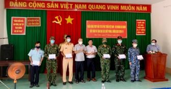 Thăm, động viên cán bộ, chiến sĩ phòng, chống dịch bệnh COVID-19 trên tuyến biên giới TX. Tân Châu