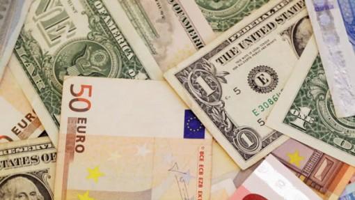 Tỷ giá ngoại tệ ngày 6-7: Lãi suất thấp, USD treo cao