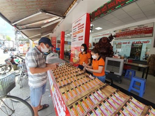 TP.HCM tạm dừng bán vé số và dịch vụ ăn uống mang về từ 0h ngày 9-7