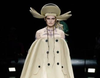 Jean Paul Gaultier và sự trở lại sàn catwalk huy hoàng, ấn tượng