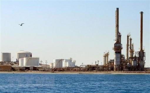 Sự bế tắc trên thị trường dầu mỏ có thể kéo dài sang tháng 8