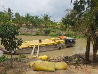 Gỡ khó cho thu hoạch và tiêu thụ nông sản