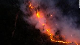 Cháy rừng ở thành phố lạnh nhất thế giới, khói lan sang cả Mỹ