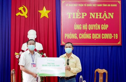 UBMTTQVN tỉnh An Giang tiếp nhận 50.000 hộp sữa Fami hỗ trợ công tác phòng, chống dịch bệnh COVID-19