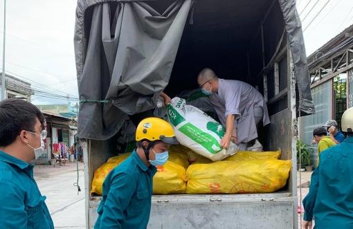 Chùa Thanh Tuyền gửi 11 tấn rau,  củ tươi hỗ trợ TP. Hồ Chí Minh