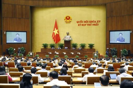 Ngày 25-7, Quốc hội tiếp tục làm việc tại hội trường thảo luận về tình hình kinh tế - xã hội