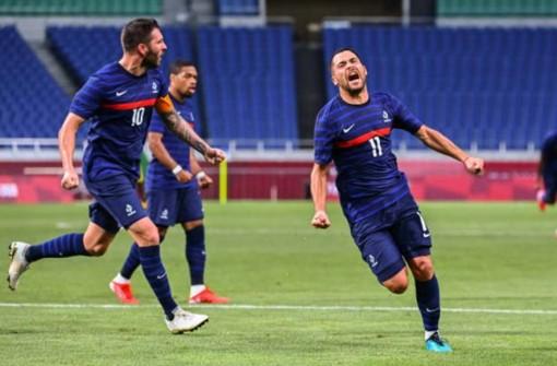 Pháp giành chiến thắng trước Nam Phi sau màn rượt đuổi tỷ số 'điên rồ'