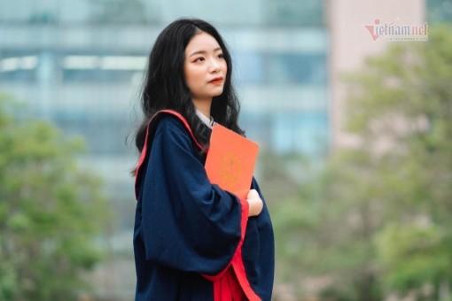 Nữ sinh chuyên Văn là thủ khoa toàn quốc kỳ thi tốt nghiệp THPT 2021