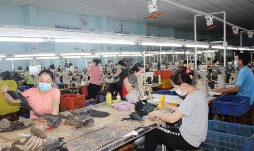 Bảo hiểm xã hội An Giang khẩn trương thực hiện các chính sách hỗ trợ người lao động, doanh nghiệp khó khăn do COVID-19