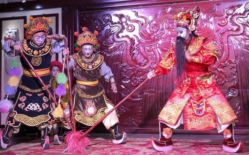 Phát triển nguồn nhân lực cho sân khấu truyền thống