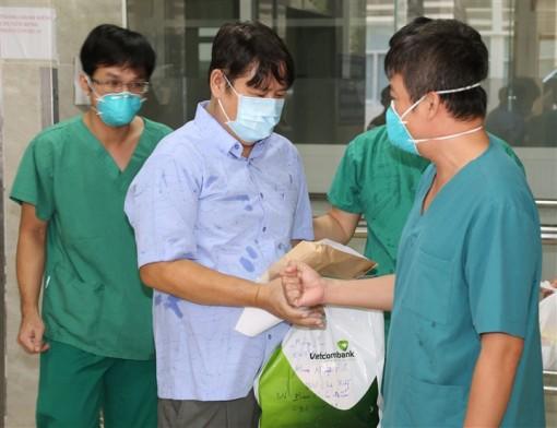 Thêm gần 2.000 bệnh nhân COVID-19 tại TP.HCM được xuất viện