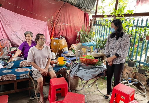 Hỗ trợ 7 hộ bị ảnh hưởng giông lốc ở TP. Long Xuyên