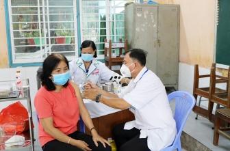Châu Thành tổ chức tiêm vaccine phòng COVID-19 đợt 3 năm 2021