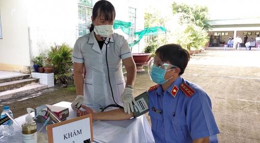 Huyện Phú Tân tổ chức tiêm vaccine phòng COVID-19 đợt 3