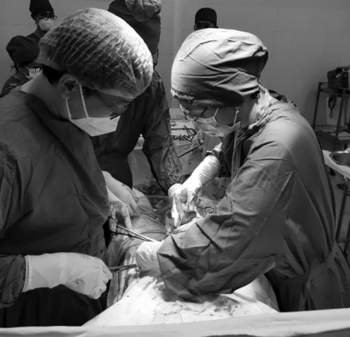 Bệnh viện Sản-Nhi An Giang phẫu thuật cấp cứu thành công sản phụ bị nhau cài răng lược thể nặng
