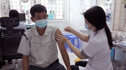 Chợ Mới tiêm vaccine phòng COVID-19 đợt 3