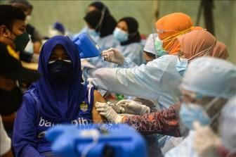 Indonesia huy động thêm 18.000 nhân viên truy vết COVID-19