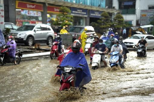 Bắc Bộ, Tây Nguyên, Nam Bộ có mưa rào và dông, Trung Bộ nắng nóng