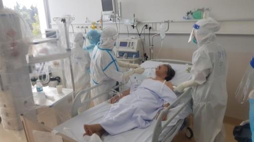 Thiết lập 12 trung tâm hồi sức tích cực COVID-19 quốc gia quy mô gần 8.000 giường