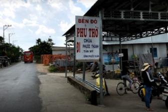 UBND huyện Chợ Mới tạm dừng hoạt động 2 bến đò Bình Tấn và Phủ Thờ
