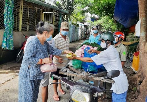 Đảm bảo sinh hoạt thiết yếu cho người dân khi chợ Cái Sao bị phong tỏa