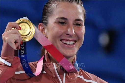 Olympic Tokyo 2020: Tay vợt Belinda Bencic giành huy chương vàng đơn nữ