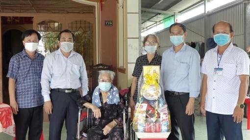Châu Phú chăm lo gia đình chính sách, người có công