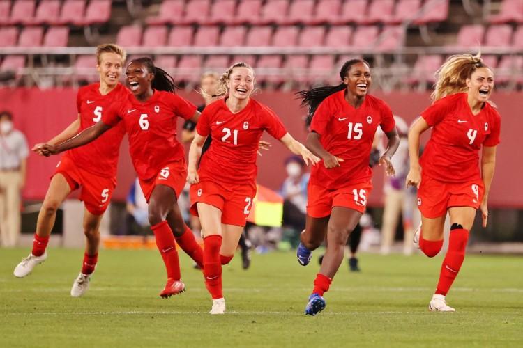 Đánh bại nhà đương kim vô địch thế giới Mỹ, tuyển nữ Canada vào chung kết Olympic 2020