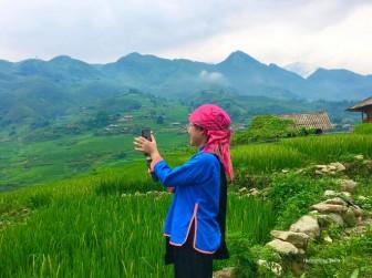Cô gái dân tộc mở tour online, đưa du khách khám phá Sa Pa qua màn hình