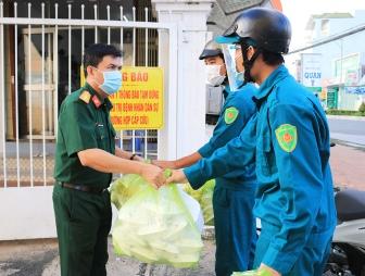 Bệnh xá Quân dân y An Giang hỗ trợ hơn 200 suất ăn sáng mỗi ngày cho lực lượng chống dịch