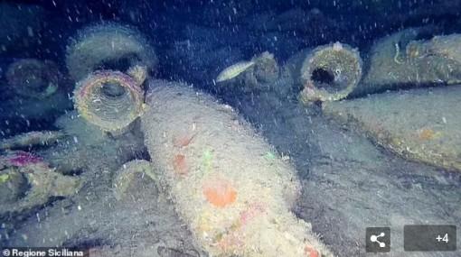 'Đại tiệc' 2.200 năm tuổi dưới đáy Địa Trung Hải