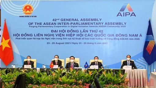 Chủ tịch Quốc hội Vương Đình Huệ dự lễ khai mạc và phiên họp toàn thể Đại hội đồng AIPA-42