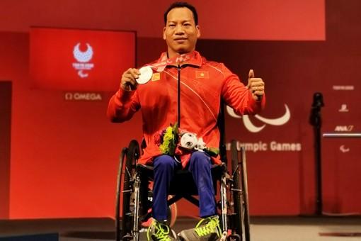 Lê Văn Công giành Huy chương bạc Paralympic 2020