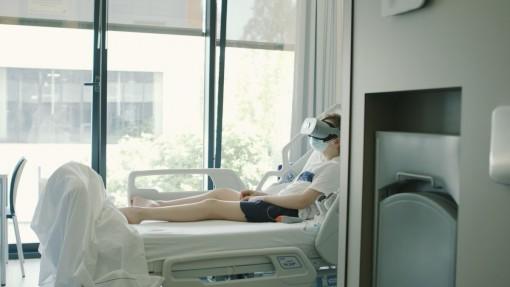 Công nghệ thực tế ảo giải tỏa tâm lý cho bệnh nhân COVID-19 nằm viện