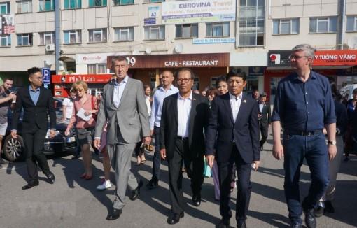 Thủ tướng Séc đánh giá cao quan hệ với Việt Nam, vị thế của người Việt