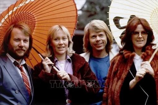 Nhóm nhạc ABBA trở lại bảng xếp hạng đĩa đơn của Vương quốc Anh